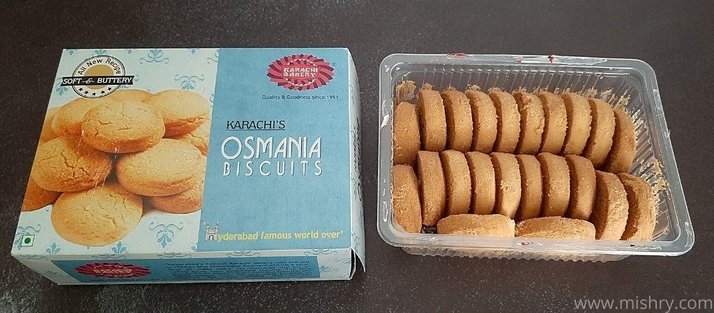 कराची बेकरी उस्मानिया बिस्किट बॉक्स में आती है