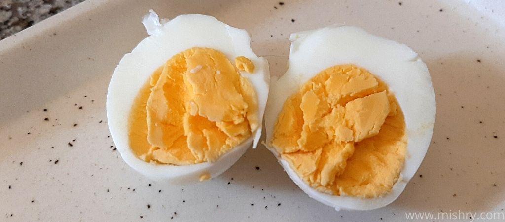 कैंट इंस्टेंट एग बॉयलर में बनाए गए अंडे