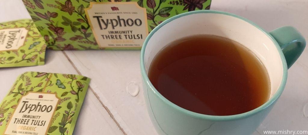 टाइफू इम्यूनिटी थ्री तुलसी से चाय बनाते समय टी बैग से कुछ बाहर नहीं आया था