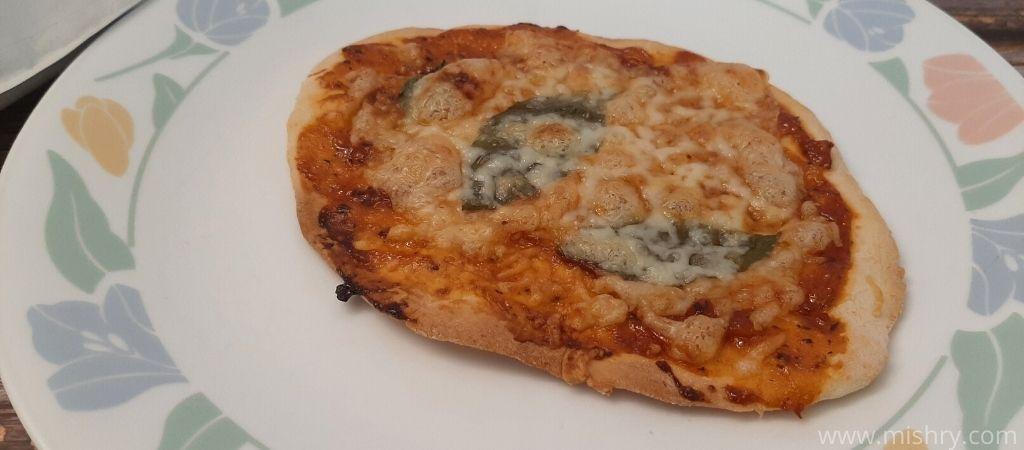 थिन क्रस्ट पिज़्ज़ा