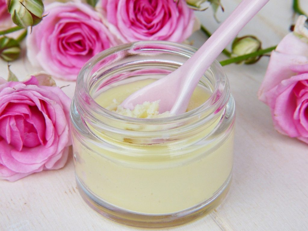 दूध और घी के फायदे सेहतमंद त्वचा के लिए
