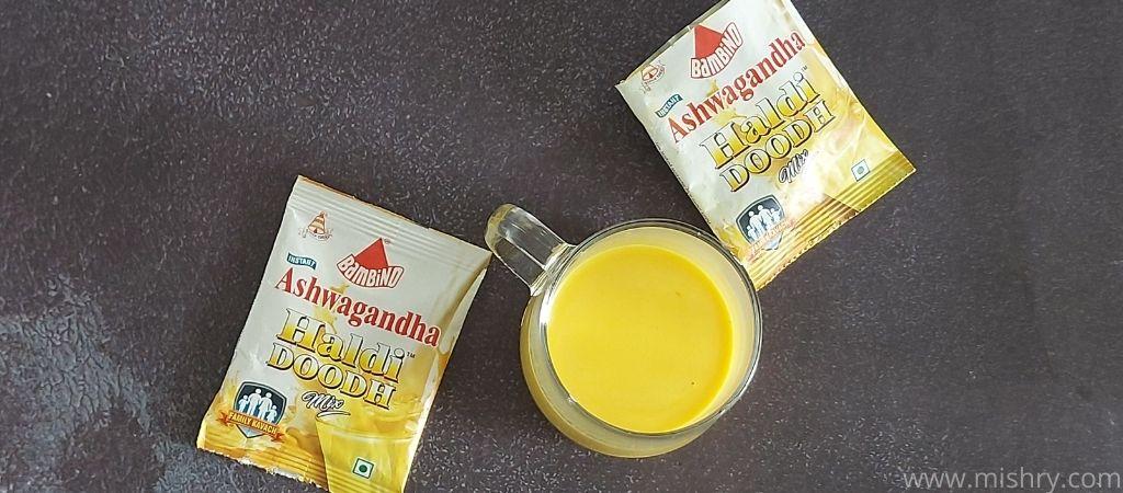 बैम्बिनो हल्दी दूध अश्वगंधा बनाने के लिए डबल- टोन्ड मिल्क का उपयोग किया गया है