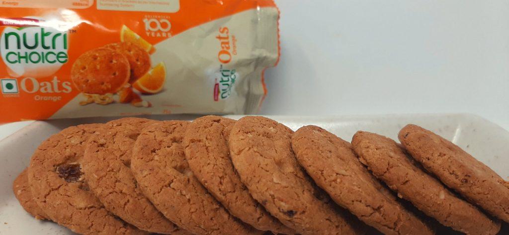 ब्रिटानिया न्यूट्री च्वाइस ओट्स ऑरेंज बिस्किट क्रंची और स्वादिष्ट हैं