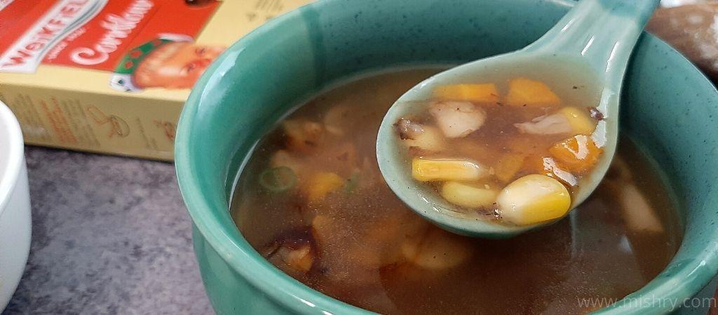 वीकफील्ड कॉर्नफ्लोर से बनाया गया सूप