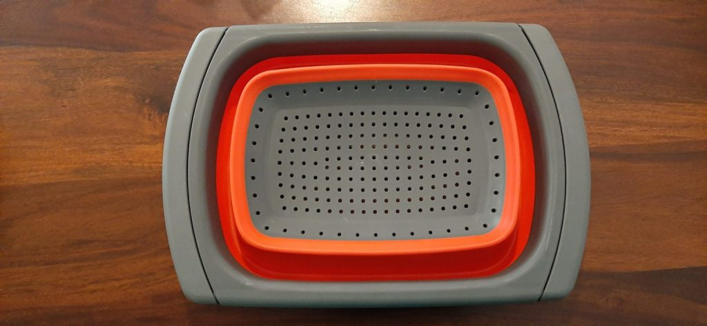 Fully-closed-–-Collapsable-Colander